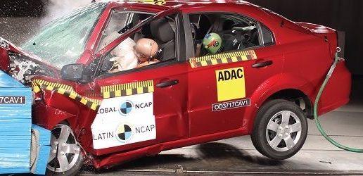 ¿Cómo comprobar qué tan seguro es un auto antes de comprarlo?